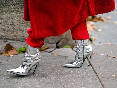 远离呆萌女孩 银色尖头鞋让你一见倾心!