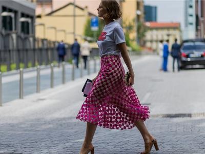 长裙+拖鞋 完美演绎极简式慵懒